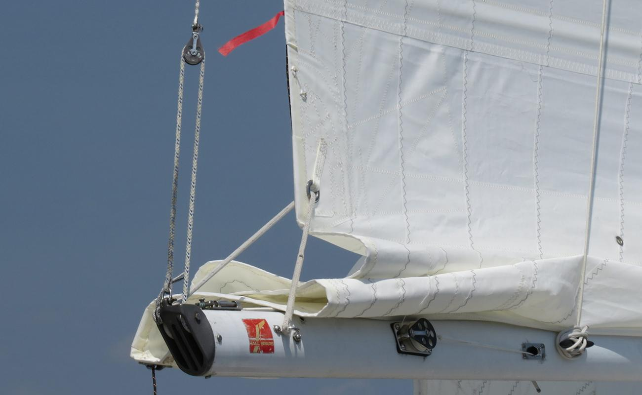 3 Ways to Reef a Sail