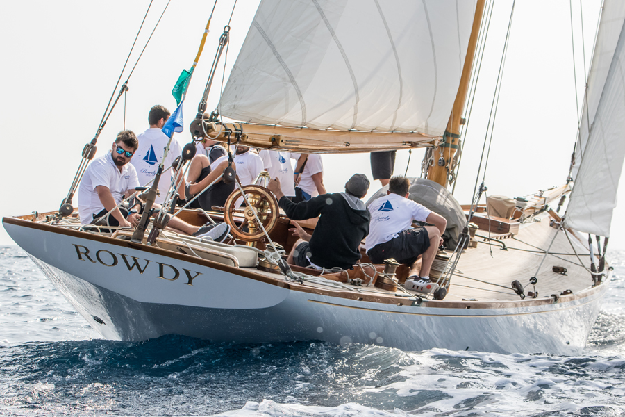classic yacht rowdy wraps a successful 2017 north sails. Black Bedroom Furniture Sets. Home Design Ideas